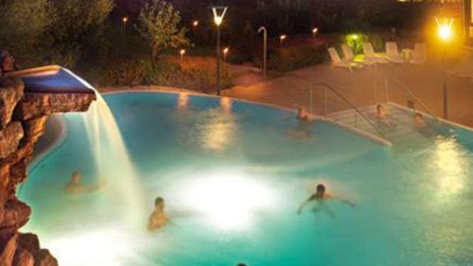 die watzmann therme in berchtesgaden bietet badespa gesundhiet wellness und sport rosenheim. Black Bedroom Furniture Sets. Home Design Ideas