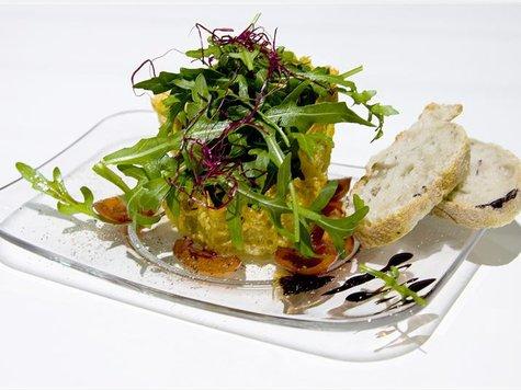 rezept zutaten und zubereitung von rucola salat im parmesan k rbchen vorspeisen. Black Bedroom Furniture Sets. Home Design Ideas