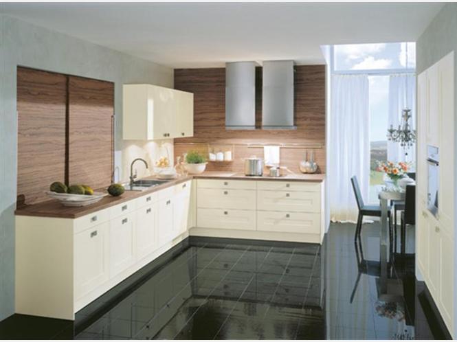asmo k chen pr sentiert k chen der aktuellen ausstellung moderene k chen anzeige. Black Bedroom Furniture Sets. Home Design Ideas