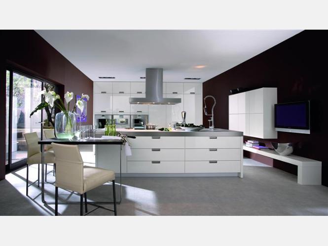asmo k chen pr sentiert k chen der aktuellen ausstellung die k chen machen familien gl cklich. Black Bedroom Furniture Sets. Home Design Ideas