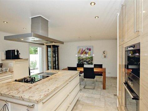 funktionale und sch ne decken l sungen f r die k che ausbau renovierung. Black Bedroom Furniture Sets. Home Design Ideas