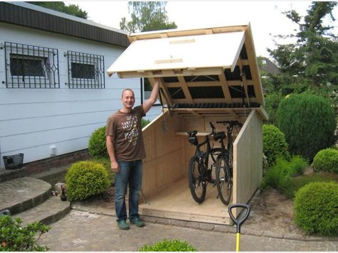 ein heim f r fahrr der mehr sicherheit und ordnung dank zweiradgarage haus garten. Black Bedroom Furniture Sets. Home Design Ideas