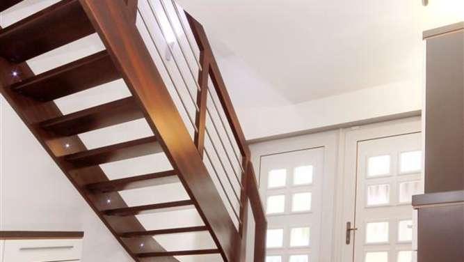 d sseldorf ma gefertigte treppen wohnen. Black Bedroom Furniture Sets. Home Design Ideas