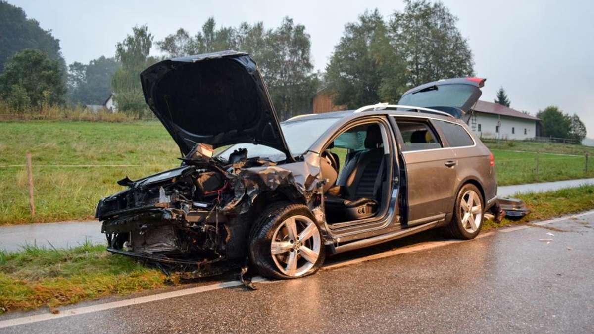 surberg schwerer verkehrsunfall mit vier autos zwei. Black Bedroom Furniture Sets. Home Design Ideas