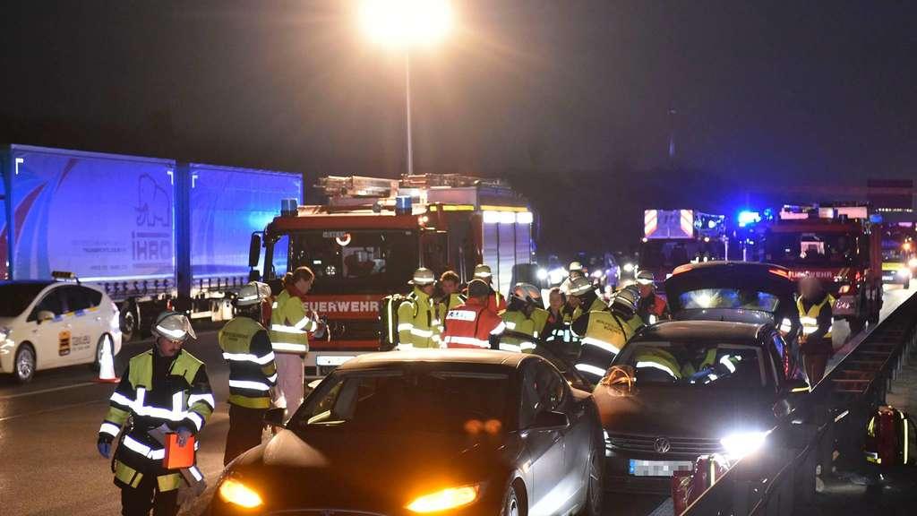 Tesla-Fahrer rettet bewusstlosem Autofahrer durch Unfall das Leben