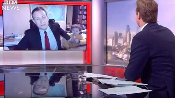 Kinder unterbrechen BBC-Interview