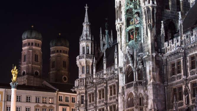München: Mann verbrennt sich auf Marienplatz selbst
