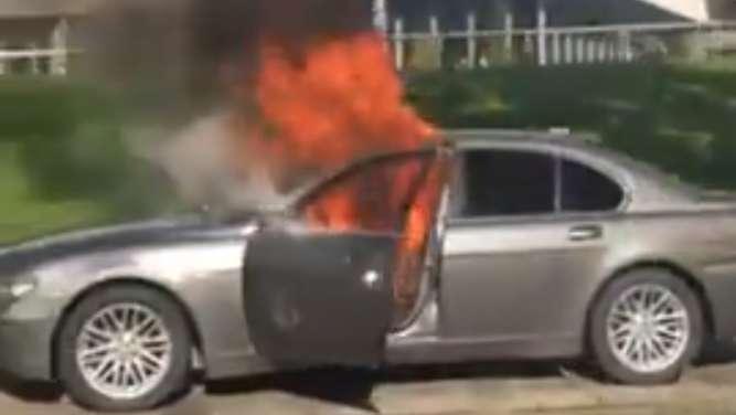 So nüchtern reagiert BMW auf den Flammen-Protestler