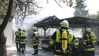 brand zerstrt carport und zwei autos