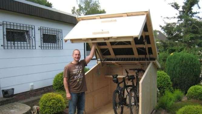 ein heim f r fahrr der mehr sicherheit und ordnung dank zweiradgarage garten. Black Bedroom Furniture Sets. Home Design Ideas
