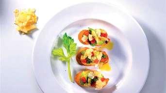 Snack oder Gruß aus der Küche: Rezept für Crostini mit Asmonte | Service