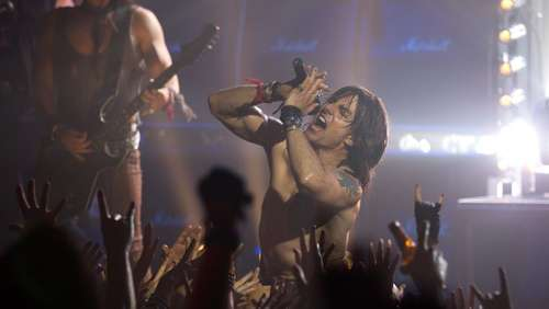 """Rock of Ages"": Tom Cruise mal völlig anders"