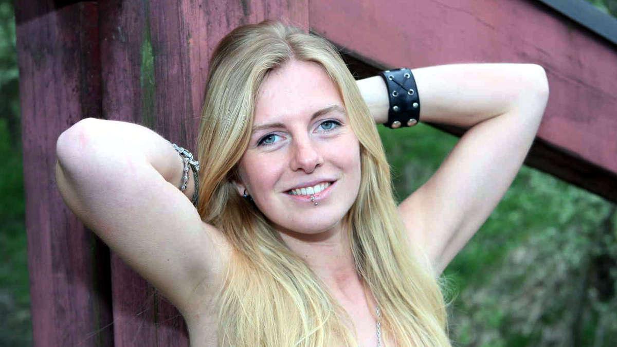 24-Girl: Monika aus Eiselfing   Ludwig Stuffer
