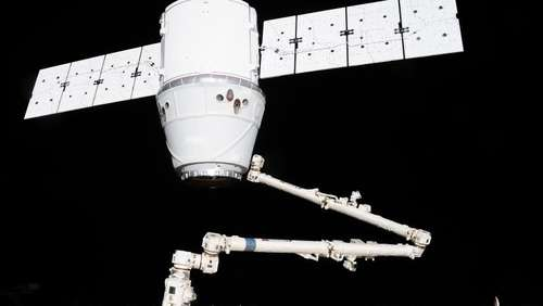 "Privater Raumfrachter ""Dragon"" an ISS angedockt"