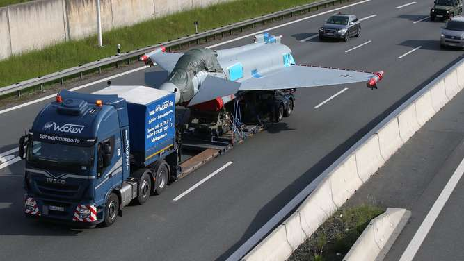 Eurofighter-Transport-dpa