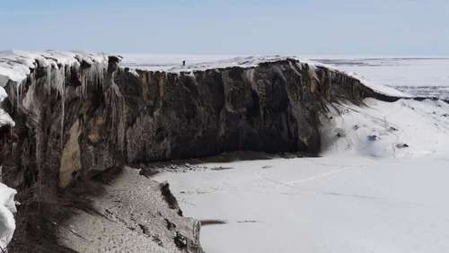 Forscher messen Rekord-Erosion am Flussufer in Alaska
