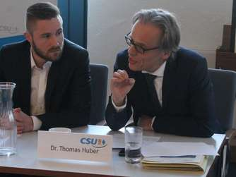 Daniel Artmann (links) und Dr. Thomas Huber.