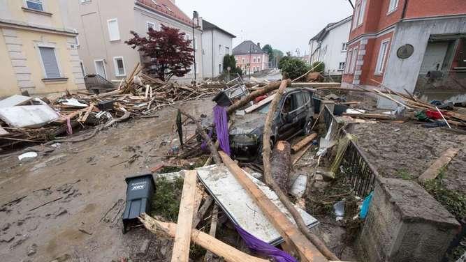 simbach news ticker zur hochwasser katastrophe in niederbayern am 4 5 juni bayern. Black Bedroom Furniture Sets. Home Design Ideas