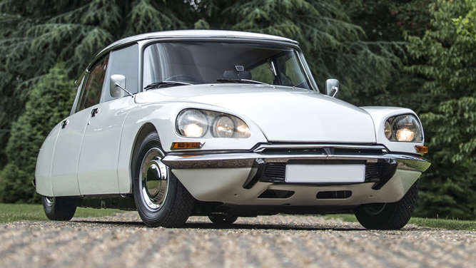 Citroen DS Baujahr 1973 bei der Silverstone Auction.