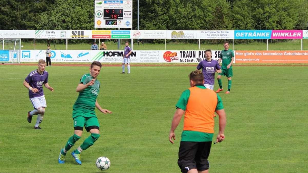 Fußball: Kreisliga 2: TuS Traunreut - SV Aschau am Inn 5:1   Kreisliga 2