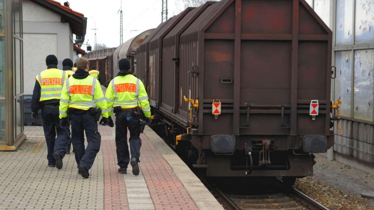Raubling: Güterzugkontrollen am Bahnhof werden fortgesetzt ...