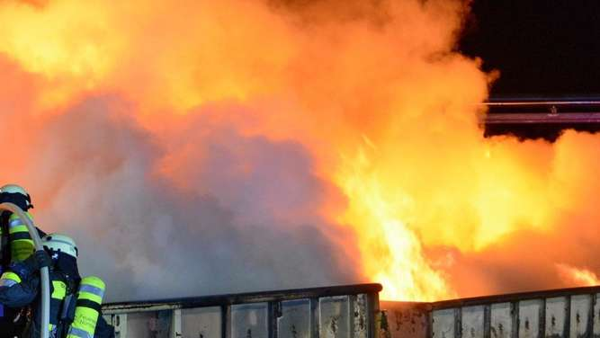 Brand in Recyclinghof in Nürnberg