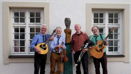 "Irish, British & American Celtic Folk mit den ""Matching Ties"""