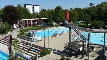 Landkreis: So teuer kommen Schwimmbad-Sanierungen in den ...