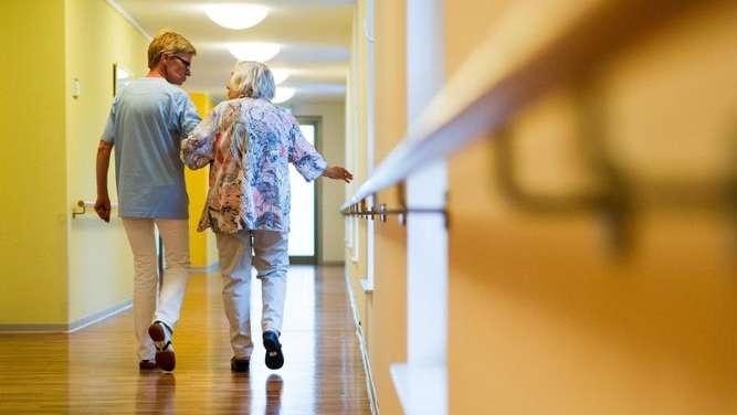 bgh macht pflegeheim bewohnern einrichtungswechsel leichter leben. Black Bedroom Furniture Sets. Home Design Ideas