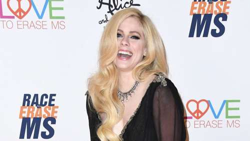 Avril Lavigne will Borreliose-Patienten helfen