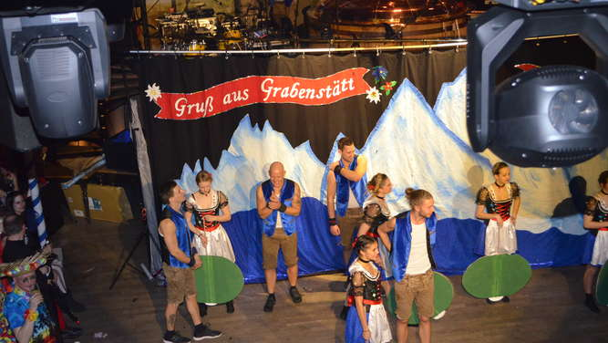 Weiberfasching in Traunstein (2)