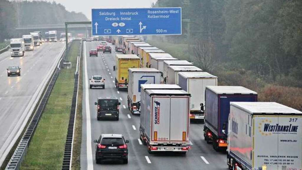 Verkehrsmeldungen A93