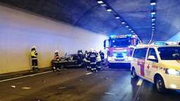 Horror-Crash in Tunnel: Opa (91), Oma (79) & Enkelin (26) tot